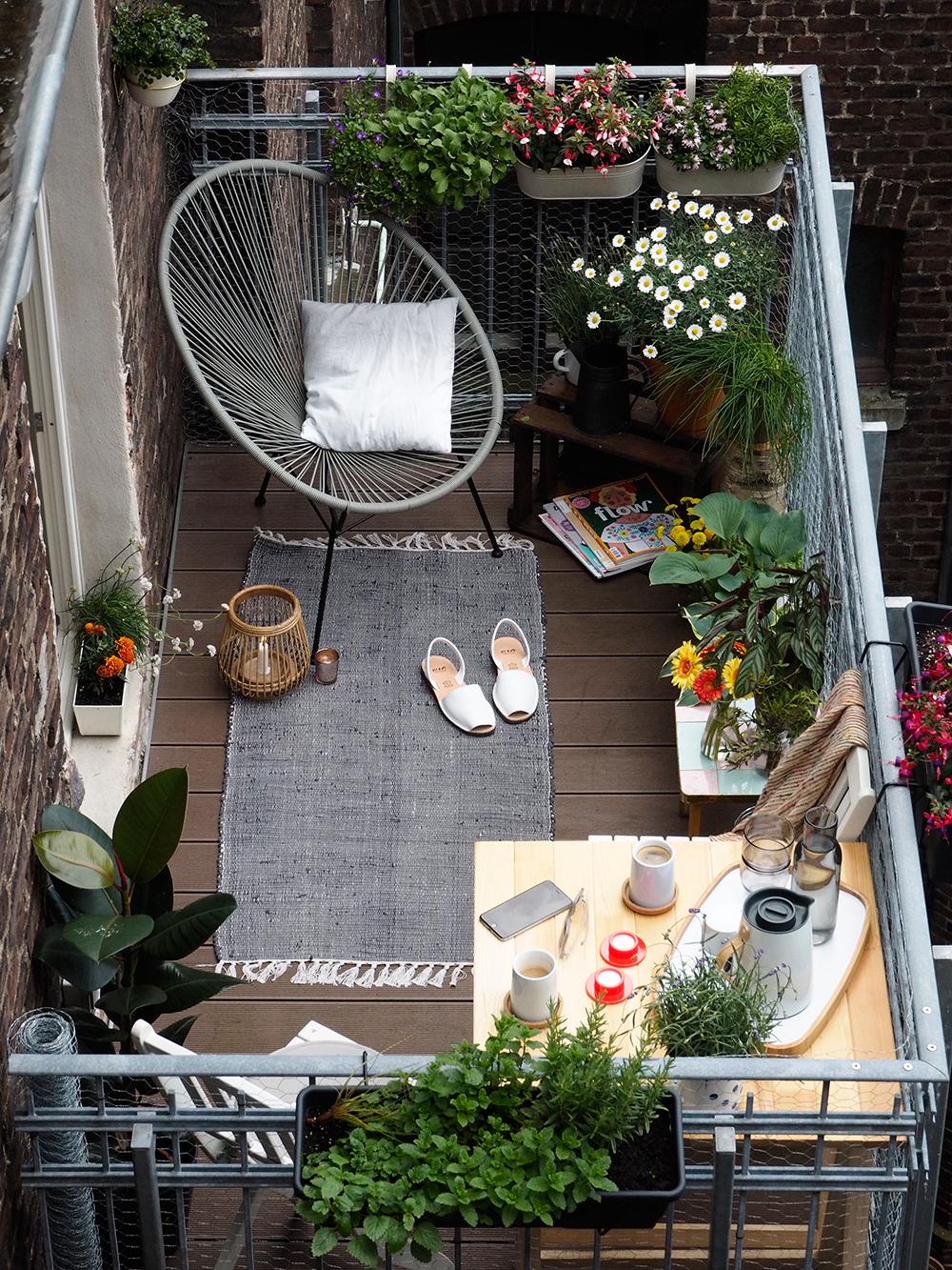 Tips Menata Balkon Rumah