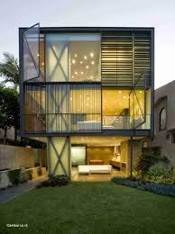 Amankah Rumah Dengan Dinding Kaca?