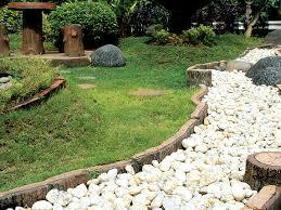Keuntungan Memasang Batu Koral Untuk Taman