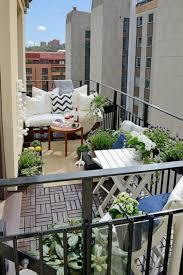 Inspirasi Menata Balkon Rumah